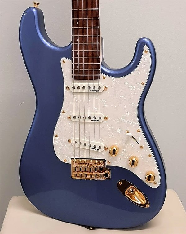 Ares DC X-line Metallic Blue, handmade in Sweden